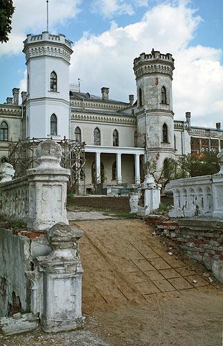 Башни дворца