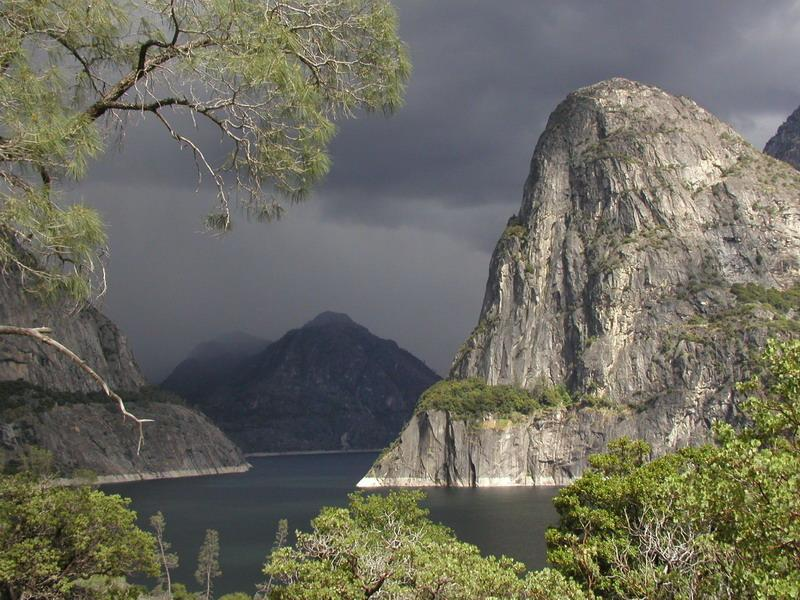 Hetch Hetchy lake